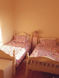 No 3 bedroom. Two trin single beds.