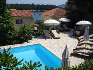 Kiki Apartments-Executive apartment with private terrace overlooking the sea