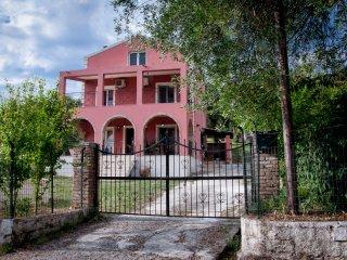 Evelina's Country House