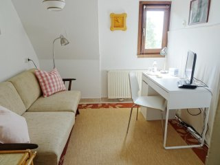 Quiet two-rooms homestay