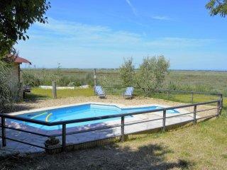 Maison écologique au bord des étangs