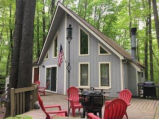 NEW! 3BR Pocono Lake House Near Skiing & Swimming!