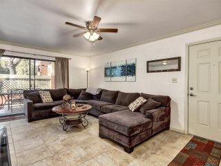 2 bedroom Condo Old Town Scottsdale