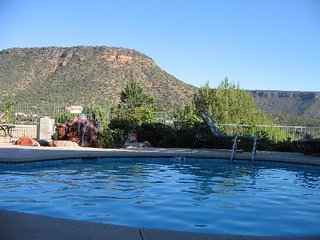 RIDGE ON SEDONA GOLF RESORT ~2BD/2BATH 2 KITCHENS/BALCONY ~ HUGE UNIT SLEEPS 8