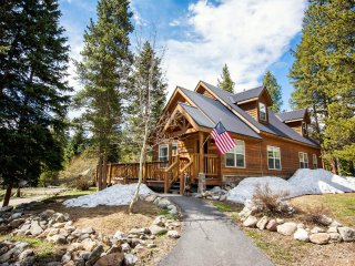 CO Family Friendly Cabin, close to town,