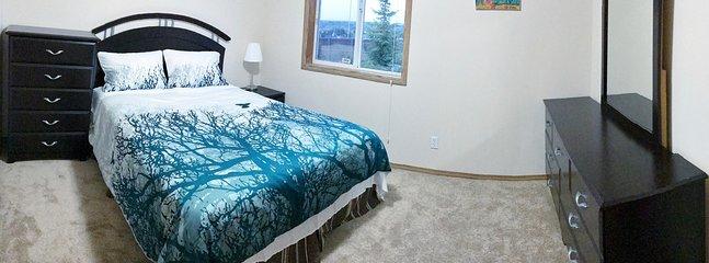 Bedroom 3 (Queen)