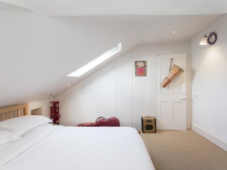 onefinestay - St Peter's Street private home