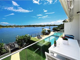 Blue Water Vista Noosa Waterfront 2 Bedroom
