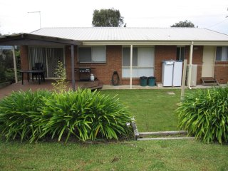 51 Dunsmore Rd, Cowes