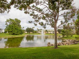Beatiful 3 Bedroom Condo in a Lovely Resort Style Community