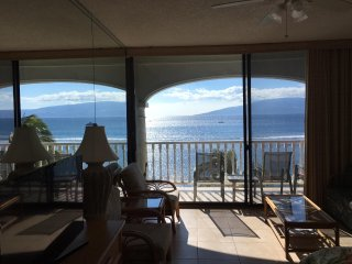 Lahaina shores oceanfront studio at great price