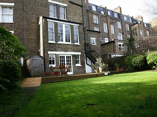 Awesome garden flat in a quiet spot of Camden Town