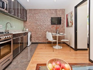 Midtown East 20s - Lovely 2 BED - Corporate Style Suite - Cheaper & BETTER