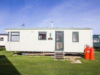 6 Berth caravan in Heacham Holiday Park. Ref 21036 Felburg.