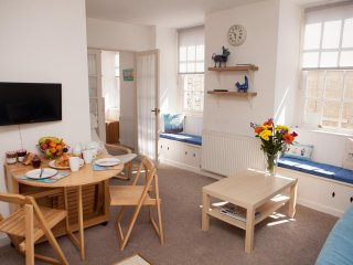Apartment 4, Customs House St Ives - First Floor Apartment - Sleeps 4