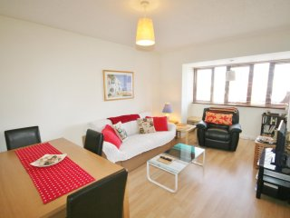Two Bedroom Apartment - Abernethy Quay