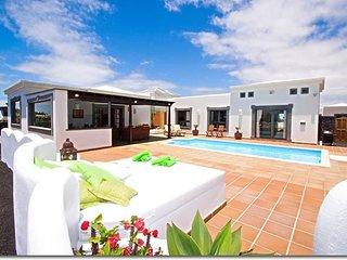 Nice Villa in a select quiet urbanisation /C08LANZ