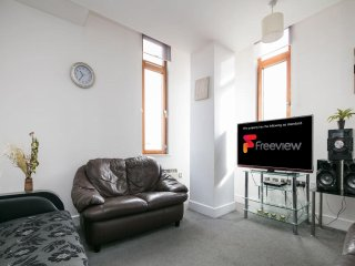 My-Places Piccadilly City Centre Apartment 08