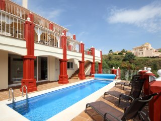 1960 - 4 bed villa, private pool and garden, Santa Maria, Elviria