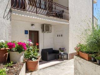 Apartment Roko - Studio Apartment with Balcony