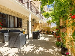 Apartment Lea - One Bedroom Apartment with Terrace