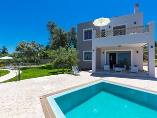 Margarites Villas, Ag. Georgios - Set in the Nature with Panoramic View!
