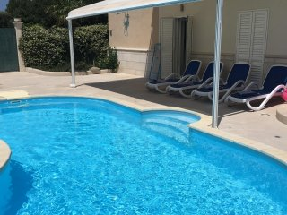 Lorena suite with pool and parking