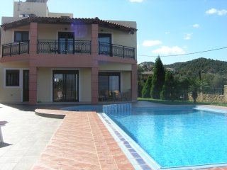Ano Stalos Villa Sleeps 6 with Pool Air Con and Free WiFi - 5677419