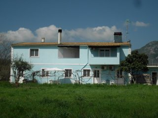 TOMS HOUSE 0  Quiet Family House between Paleokastritsa n Dassia n Ipsos!