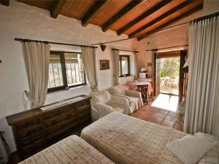 Studio for 2 persons in old andalusian farmhouse with swimming pool
