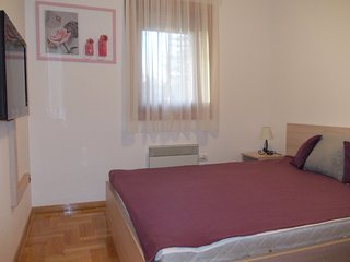 Apartment Bubica is a 10-minute pleasant walk from the center of Zlatibor