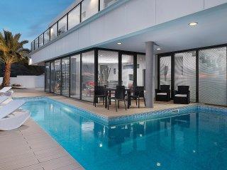 Villa Atlantico - rates based on 2 guests