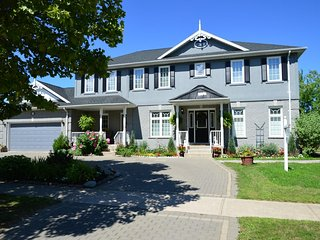 Charlottetown House Bed and Breakfast