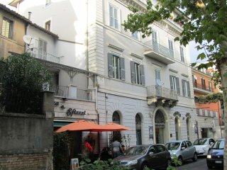 Luxury Flat in Historic Centre of Poggio Mirteto, 60KM North East of Rome