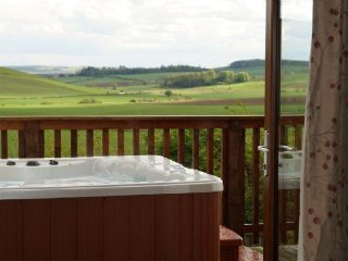 Barn Lodge - Luxurious lodges in the Fife glens. - Bird Lodges: Barn