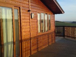 Tawny Lodge - Luxurious lodges in the Fife glens.