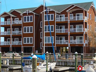 Shell of a Good Time 3 Bedroom Condo at Shallowbag Bay