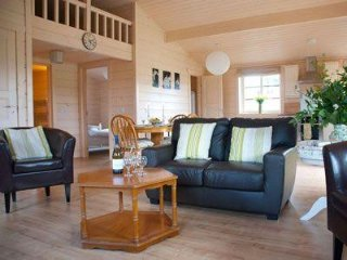 Skylark Lodge - Modern lodge on the stunning West Coast of Scotland