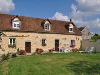 La Pommeraie - Fye - 4 Bed Detached converted barn 10 Minutes from Alencon.