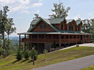 Magnificent Mountain Views, Sleeps 14