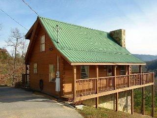 2 level log cabin * 2 bedrooms * 2 baths
