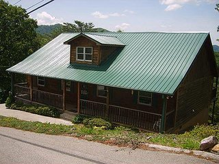 Grand View is an adorable one level, two bedroom cabin
