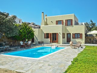FABULOUS HOLIDAY VILLA IN NAXOS ISLAND