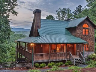 Bearfoot Summit at Trails End- Ultra Luxury- No pets- Ellijay, Georgia