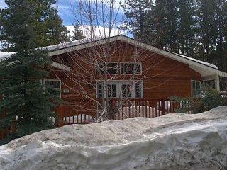 Ideal Fox Farm Location, 2500+ Square Feet, Gourmet Kitchen, 2 Decks, All New!