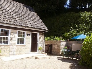 Little Tremore Cottage - Beautiful rural village hideaway