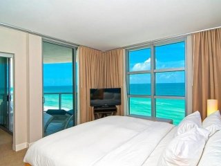 ASK US FOR DISCOUNTS  - Luxury Oceanfront Condo at The Marenas Resort Sunny