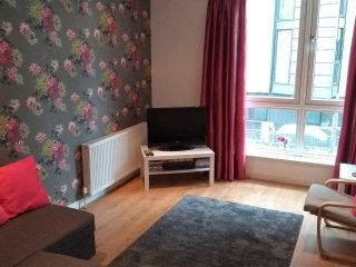 Cosy & central city apartment. Dates Available! Ideal for business or leisure