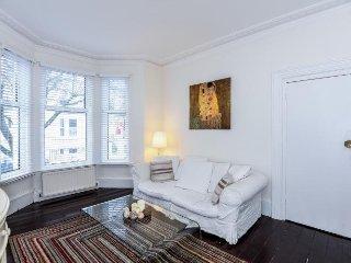 Fresh & Stylish FULHAM/EARLS COURT apartment