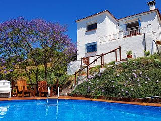 Encantada Benamargosa with private pool, garden, tropical plantation, sea views